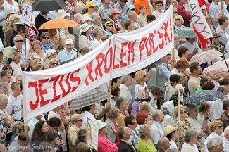 12.07.2009 CZESTOCHOWA JASNA GORA XVII PIELGRZYMKA RODZINY RADIA MARYJA NA JASNA GORE FOT PIOTR DESKA / AGENCJA GAZETA